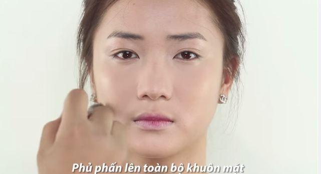 cach_trang_diem_nhe_nhang_tuoi_tan_giong_song_hye_kyo3