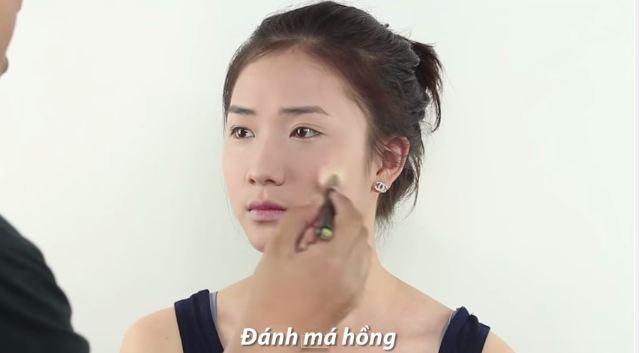 cach_trang_diem_nhe_nhang_tuoi_tan_giong_song_hye_kyo4