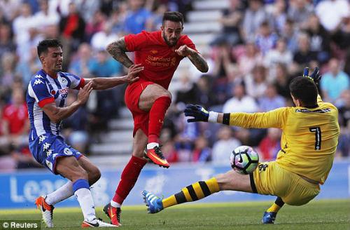 """Liverpool thể hiện bản lĩnh của """"Quỷ đỏ"""" trước Wigan"""