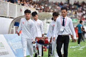 Triệu Việt Hưng chấn thương nghiêm trọng nhập viện khẩn cấp